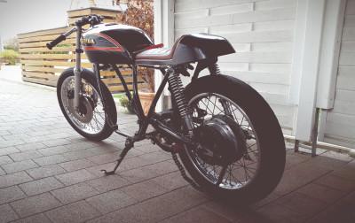 Anpassen der Sitzbank Honda CB 550 K3 Cafe Racer Sitzbank