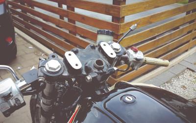 Honda CB 550 Gabelbrücke Cafe Racer