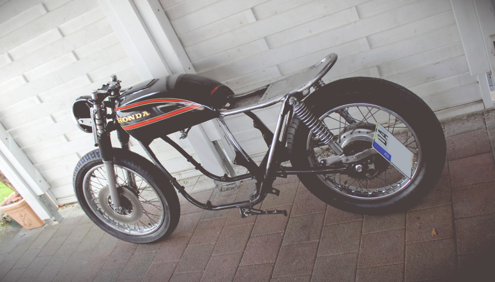 Der Rahmen ist fertig! - 550Moto | Cafe Racer Blog