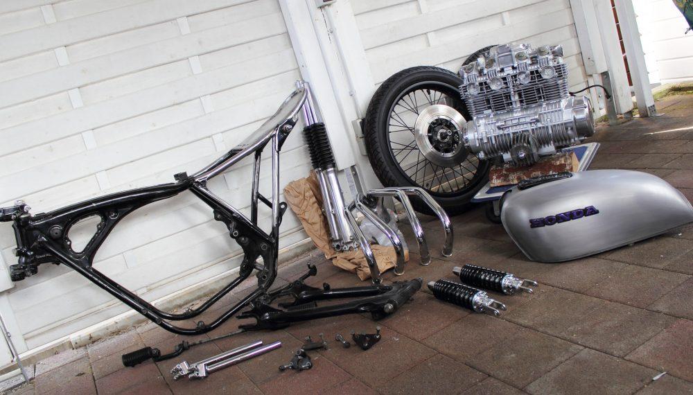 Honda CB 550 K3 Cafe Racer 550 Moto 3