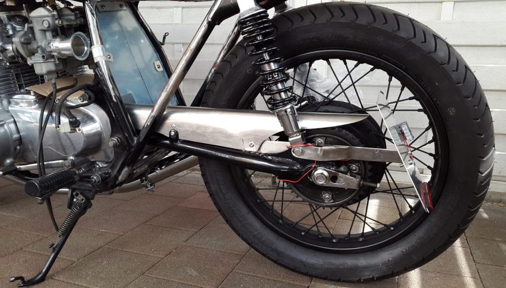 honda-cb-550-kettenschutz-cafe-racer-chain-guard-umbau-build-3
