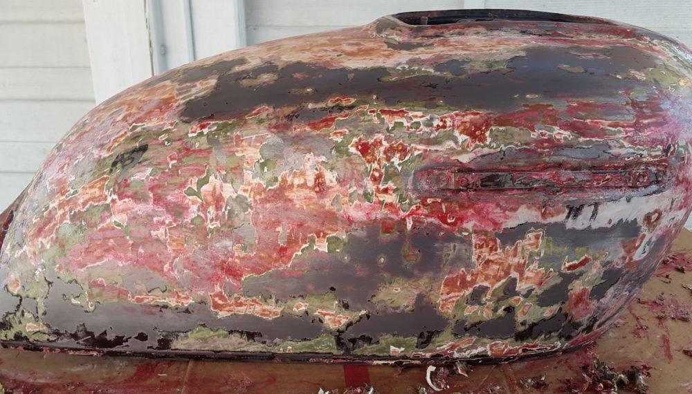 honda-cb-550-tank-entrosten-farbe-entfernen-abbeize-cafe-racer-21
