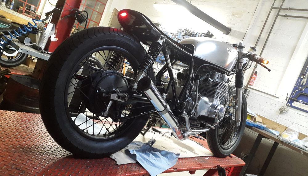 honda-cb-550-cafe-racer-550moto4