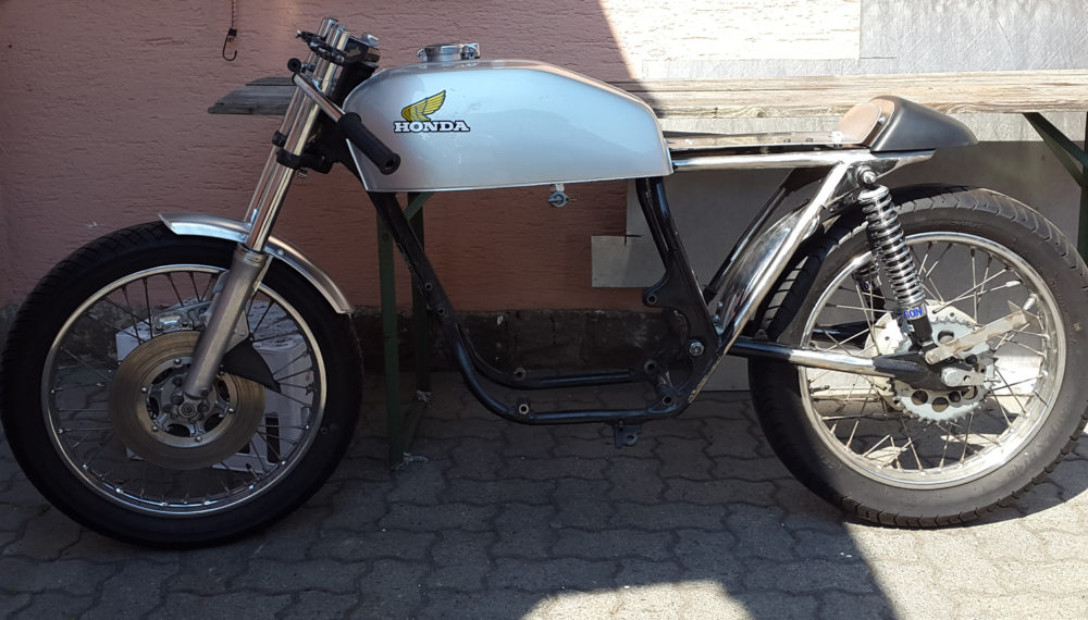 Honda CB 400 four by 550moto 5