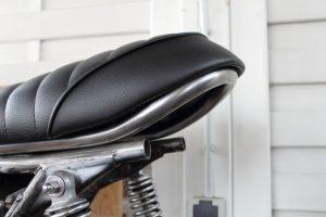 HondaCafeRacerSitzbankCB550Moto