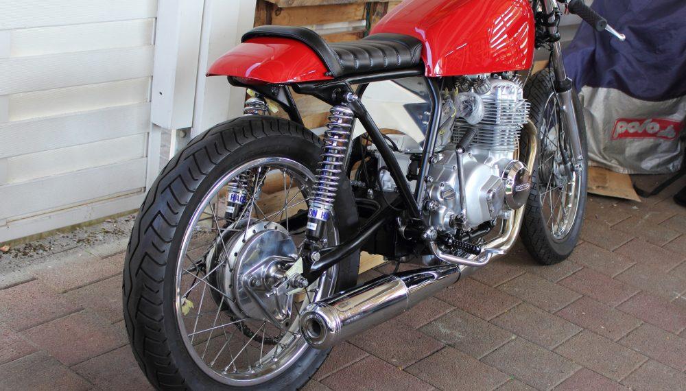 Honda CB 400 four Cafe Racer by 550moto