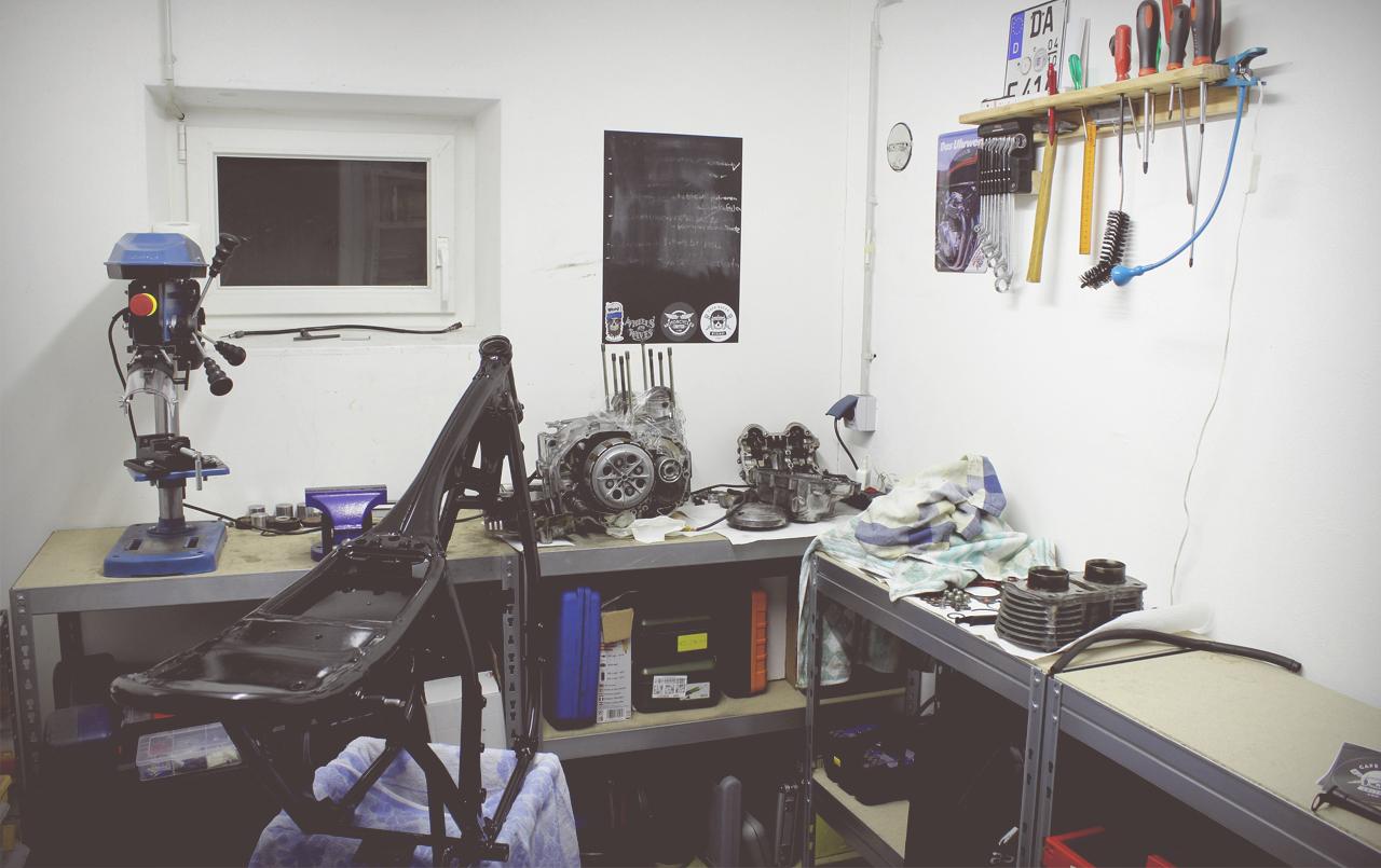 Honda CB 550 K3 Cafe Racer Werkstatt 550moto
