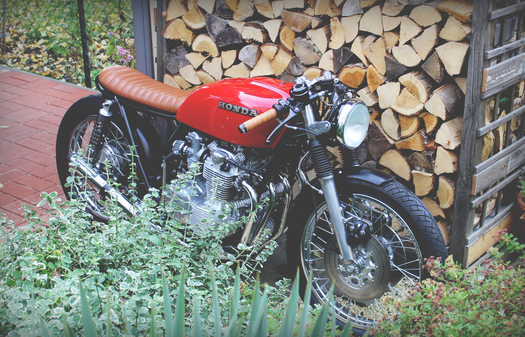Honda CB 550 Umbau 2. Bremsscheibe Cafe Racer 550moto