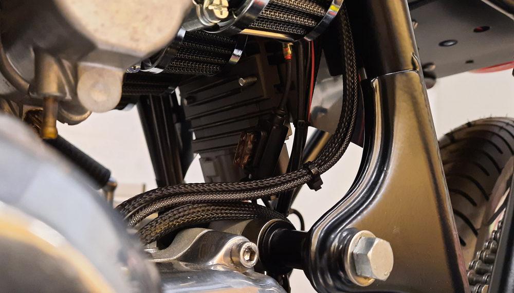 Honda CB 400 four Cafe Racer Frame Fuse Laderegler