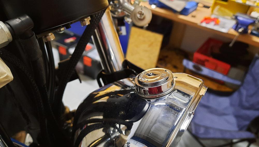 Honda CB 400 four Scheinwerfer Zündschloss