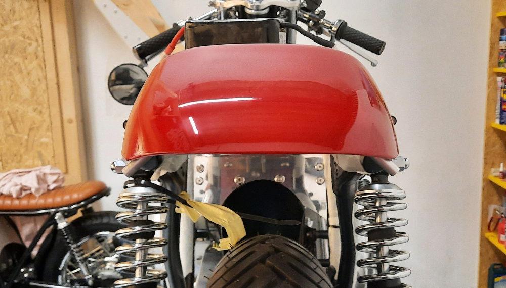 Honda CB 400 Cafe Racer Höcker 2